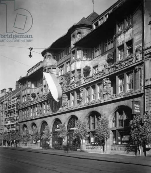 Sueddeutscher Verlag: Knorr and Hirth, until 1933