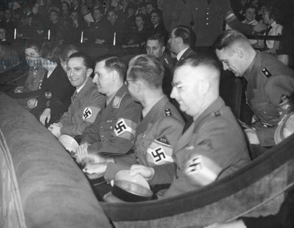 Joseph Goebbels in the Ufa-Palast am Zoo, 1939