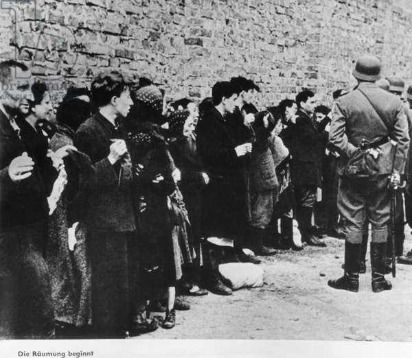 Deportation of Jews from the Warsaw Ghetto, 1942 (b/w photo)