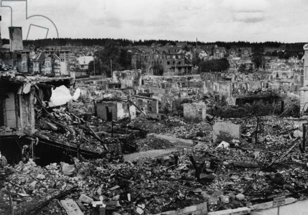 Destruction of Freudenstadt by French troops, 1945 (b/w photo)
