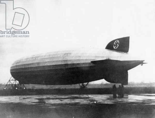 Landing of LZ-127 Graf Zeppelin in Akron, 1933 (b/w photo)
