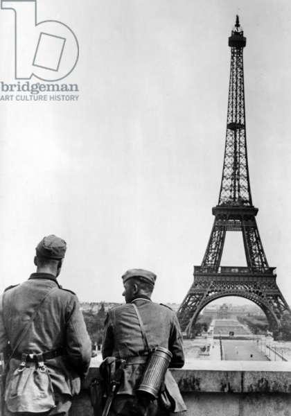 The Eiffel Tower in Paris, 1940 (b/w photo)