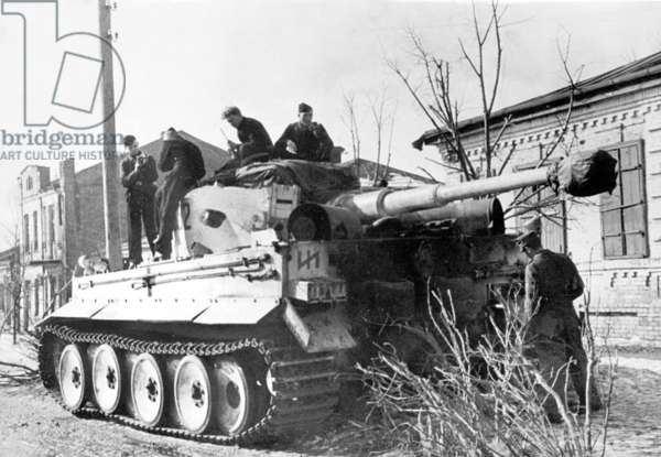 The crew of a tiger tank from SS tank division 'Das Reich', March 1943 (b/w photo)