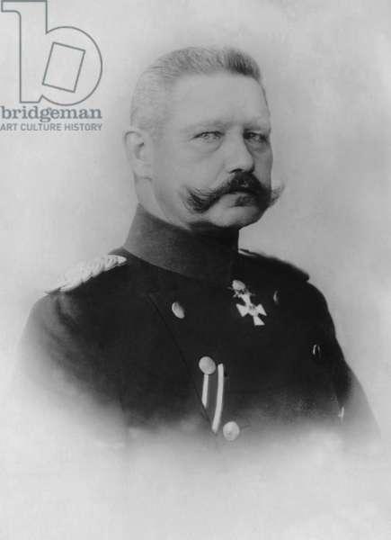 Paul von Hindenburg, 1903 (b/w photo)