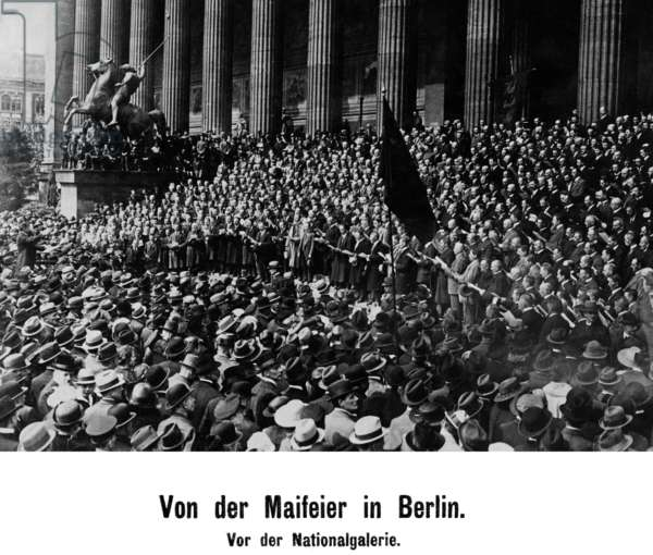 May Day celebration in Berlin in front of the National Gallery, 1921