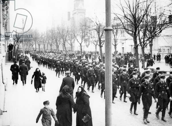 Parade in Memel after the union with the German Reich, 1939 (b/w photo)
