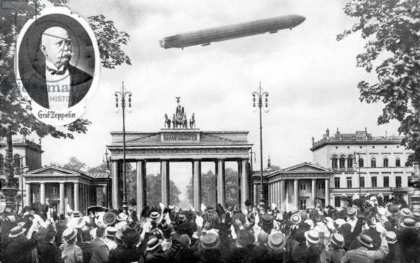 The visit of Graf von Zeppelin in Berlin, 1909 (b/w photo)