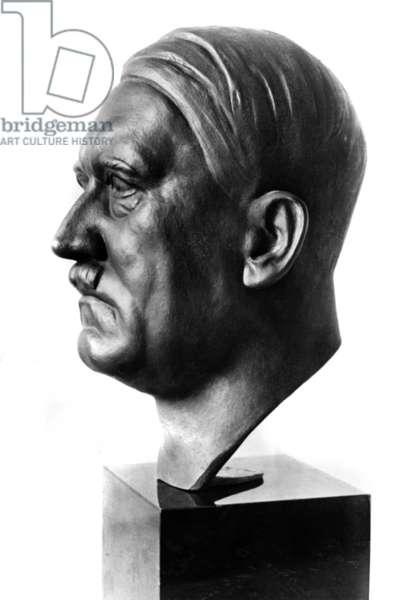 Adolf Hitler bust by Ernst Seger, 1938 (b/w photo)
