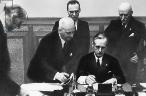 Von Ribbentrop signs the Molotov-Ribbentrop Pact, 24.08.1939 (b/w photo)