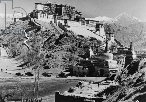 A scene from 'Geheimnis Tibet', 1941 (b/w photo)