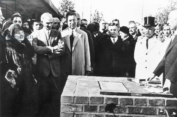 Henry Ford and Konrad Adenauer at the the foundation stone ceremony of the Ford plant in Cologne, 1930 (b/w photo)