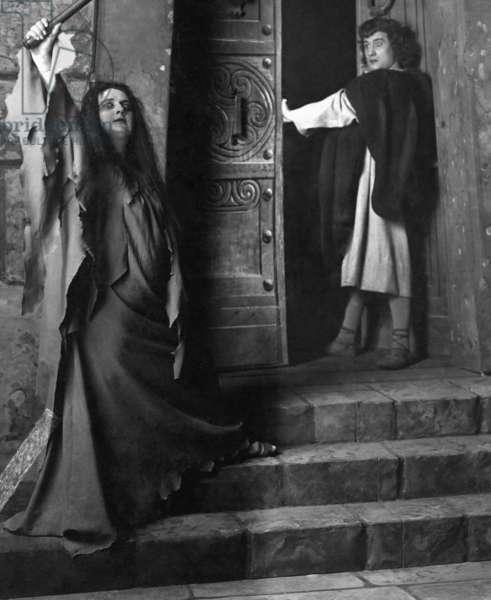 Performance of an opera by Richard Georg Strauss (b/w photo)