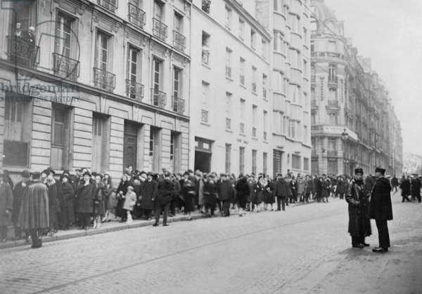 Mourners at the funeral of Georges Clemenceau, 1929 (b/w photo)
