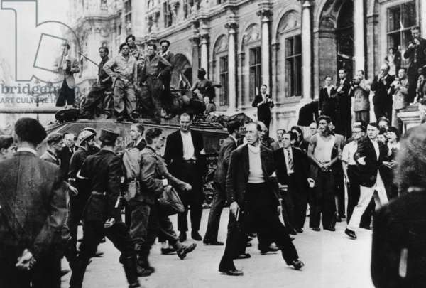German prisoners are brought in the Town Hall, 1944 (b/w photo)