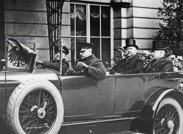Hans Luther with Reich President Paul von Hindenburg, around 1933