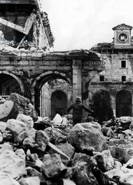 The monastery yard of Monte Cassino, 1944 (b/w photo)