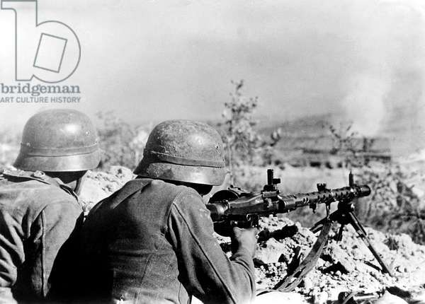 German soldiers during the Battle of Stalingrad, 1942 (b/w photo)