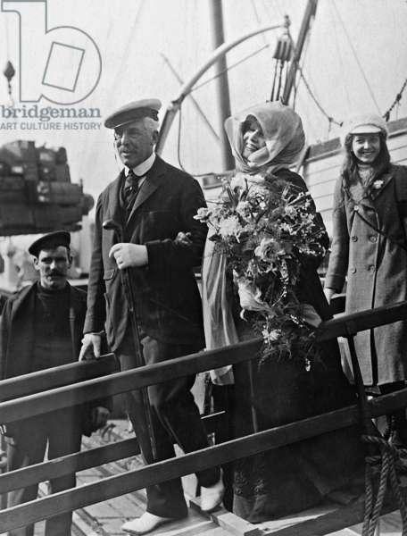 Sarah Bernhardt, 1910 (b/w photo)