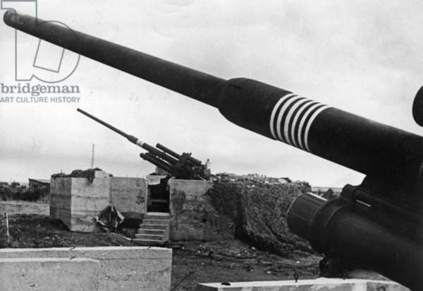 Anti-aircraft position on the Atlantic Wall (b/w photo)