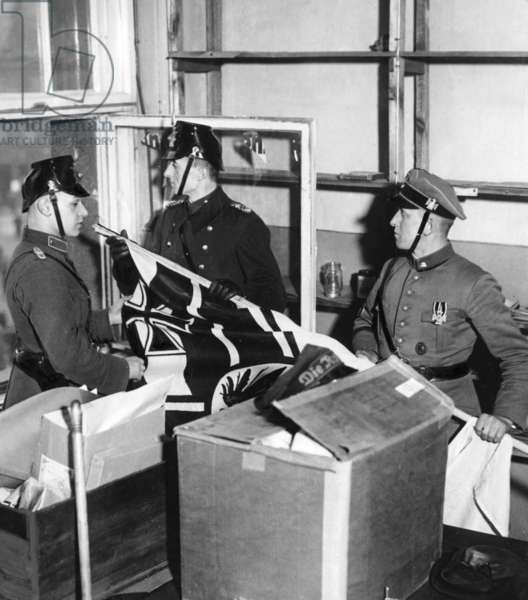 Seizure of the Karl Liebknecht house in Berlin, 1933 (b/w photo)