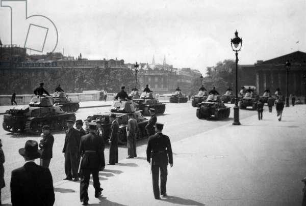 Military parade on Place de la Concorde in Paris, 1941 (b/w photo)