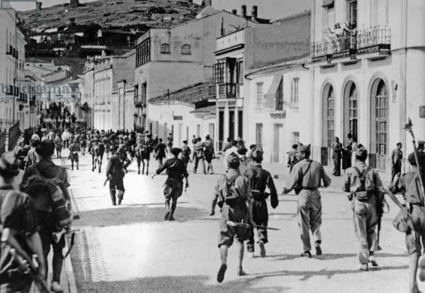 Spanish national troops during the invasion of Huelva, 1936