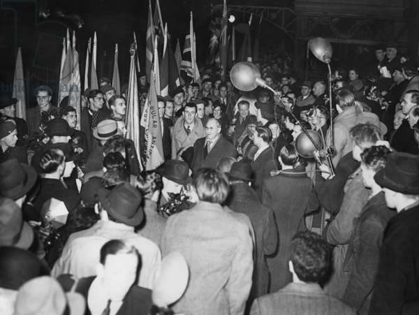 Return of Republican fighters from the Spanish Civil War, London, 1937