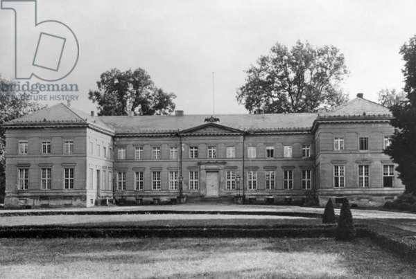 Neuhardenberg Castle in Neuhardenberg, 1929