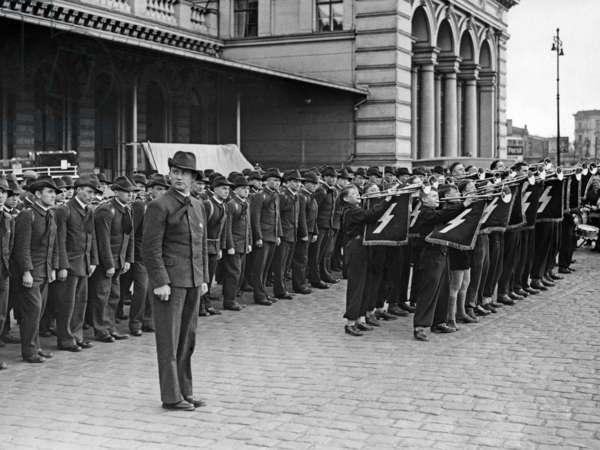 Arrival of the Sudeten German gymnasts in Berlin, 1937