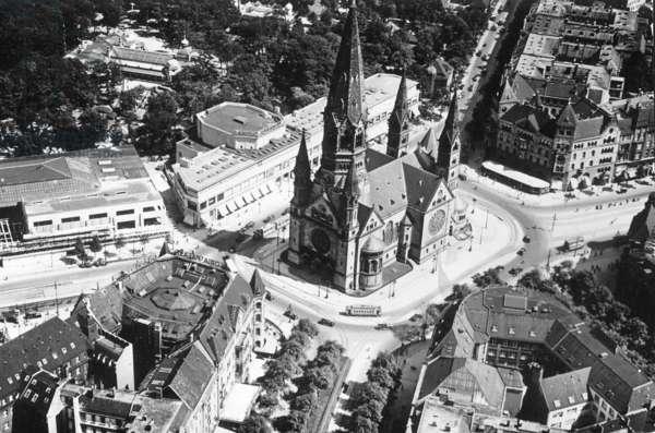 Berlin, 1932 (b/w photo)