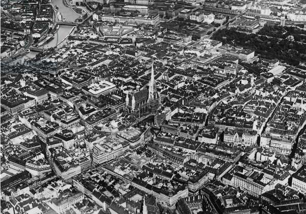 Aerial photo of Vienna, 1936 (b/w photo)
