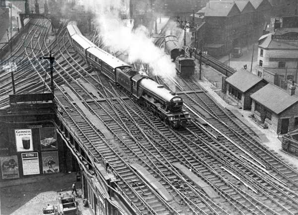 The steam locomotive 'Flying Scotsman' (b/w photo)