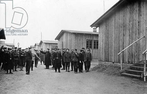 English prisoners of war in Döberitz, 1915 (b/w photo)