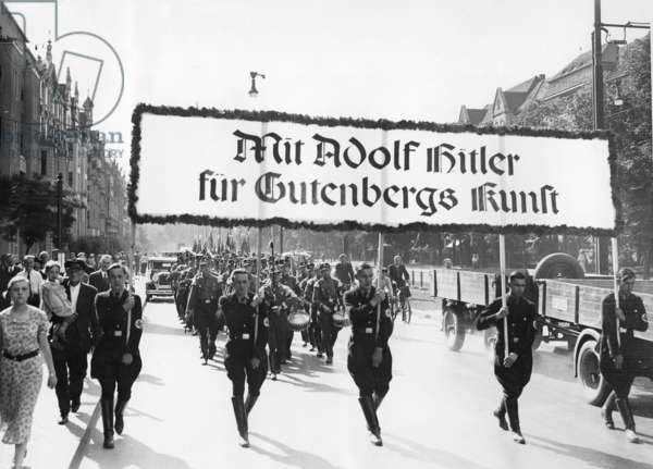 Relocation of the Reich operating unit Druck to the Midsummer Day, 1936 (b/w photo)
