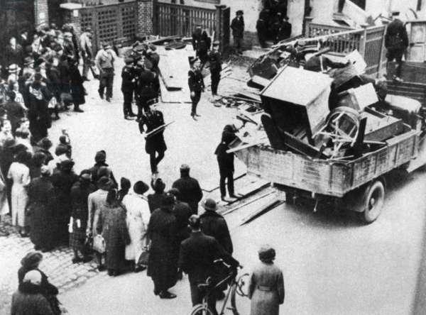Pogrom in Hof, 1938 (b/w photo)