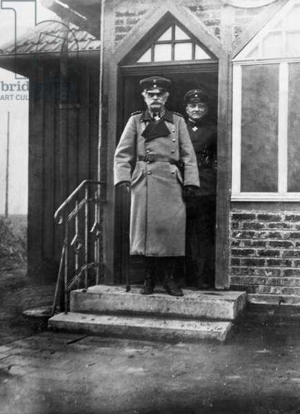 Ludwig von Falkenhausen and Manfred von Richthofen, 1917 (b/w photo)