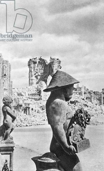 Dresden after the Allied bombing of 1945 (b/w photo)