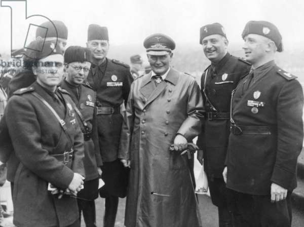 Hermann Goering with thedelegation of the PNF at the Nuremberg Rally, 1938