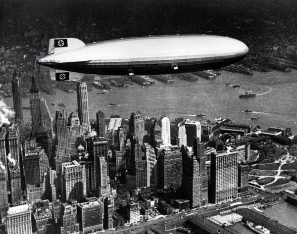 Hindenburg above Manhattan, 1937 (b/w photo)
