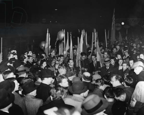 Return of Republican fighters from the Spanish Civil War in London, 1938