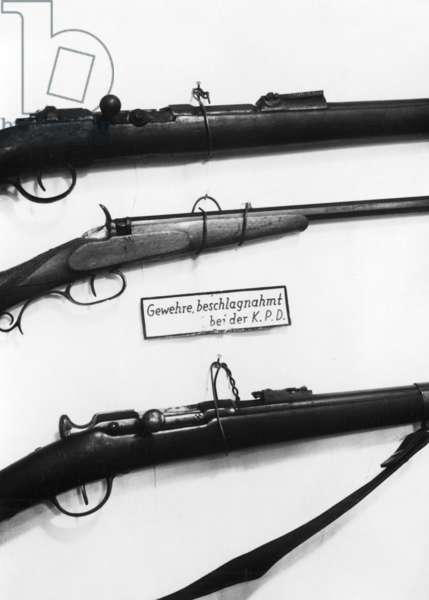 Confiscated weapons of the KPD, 1933 (b/w photo)