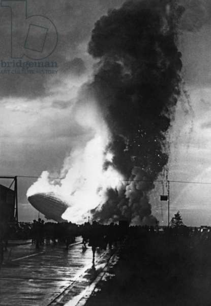 Crash of the airship LZ 129 Hindenburg at Lakehurst, 1937 (b/w photo)