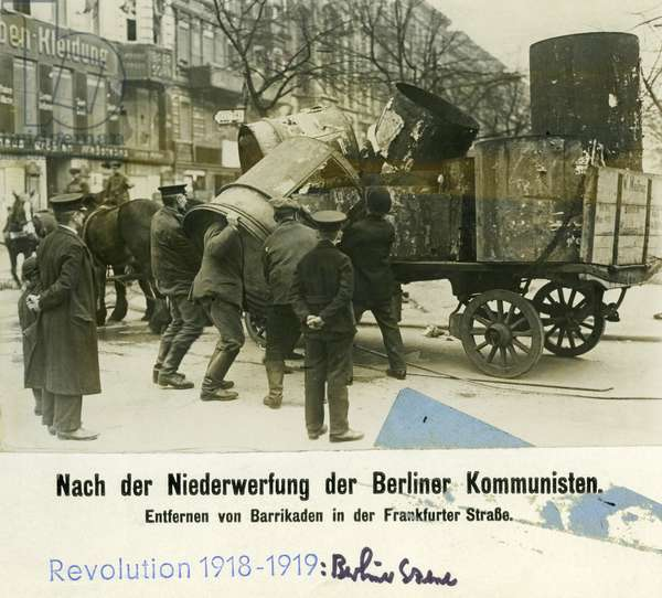 Clean up operation in the Frankfurter Strasse in Berlin, 1919