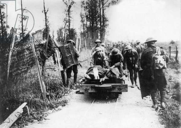 British wounded at the Western Front, 1917 (b/w photo)
