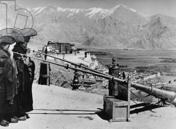 Scene from 'Geheimnis Tibet', 1941 (b/w photo)