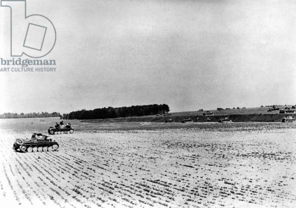 Advancing German tanks on the Aisne, 1940 (b/w photo)