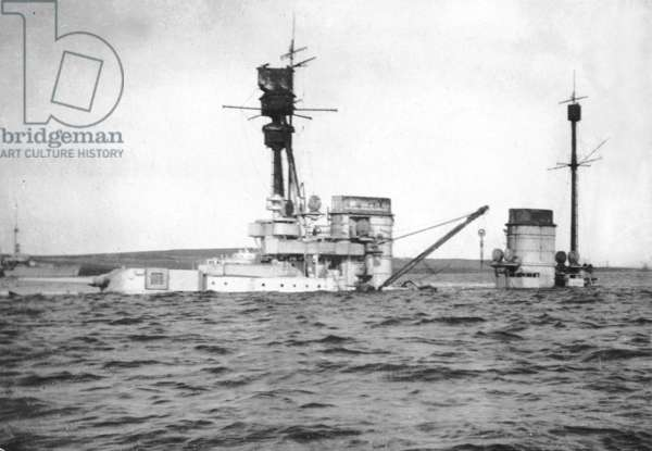 Scuttling of the 'Hindenburg' in Scapa Flow, 1919 (b/w photo)