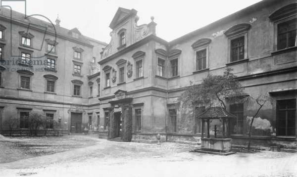 Courtyard of the Old Academy of Sciences, 1826-1840