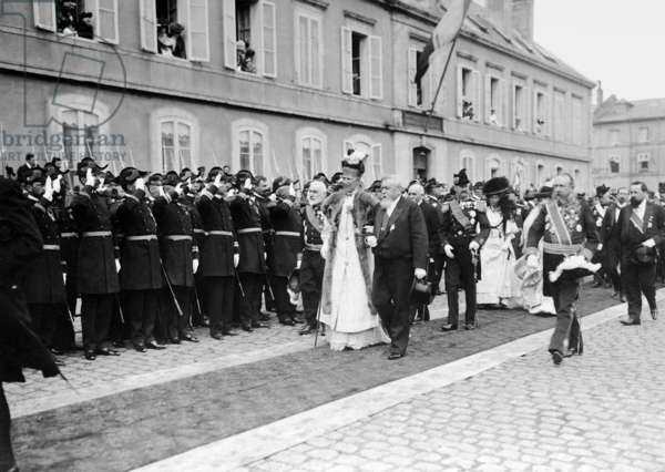 Arrival of the Danish royal couple in Cherbourg, 1907 (b/w photo)