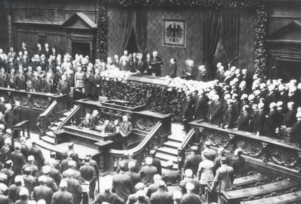 Swearing-in of Hindenburg as President of the Reich, 1925